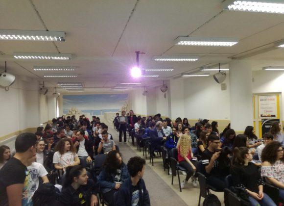 Libertà di pensiero e social network – Incontro con gli studenti a Cittanova (RC)